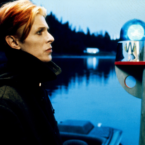 Film still from <em>The Man Who Fell To Earth</em>. Courtesy of Roadshow Films