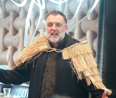 Dr Ruakere Hond speaks at the powhiri to welcome the Ainu visitors, 10 June 2016. Photo RNZ/Robin Martin