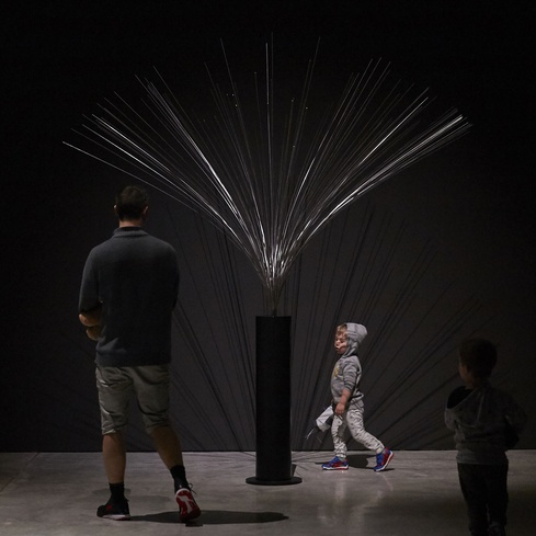 Len Lye's kinetic sculpture <em>Fountain</em>, installation view. Photo Sam Hartnett