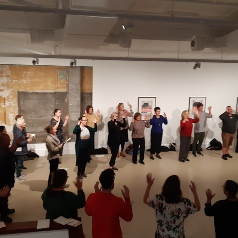 Singing waiata in the Gallery