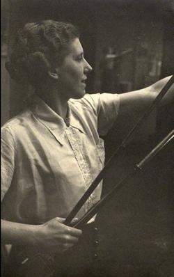 Lye's friend Barbara Ker-Seymer in the 1930s. Photo Humphrey Spender